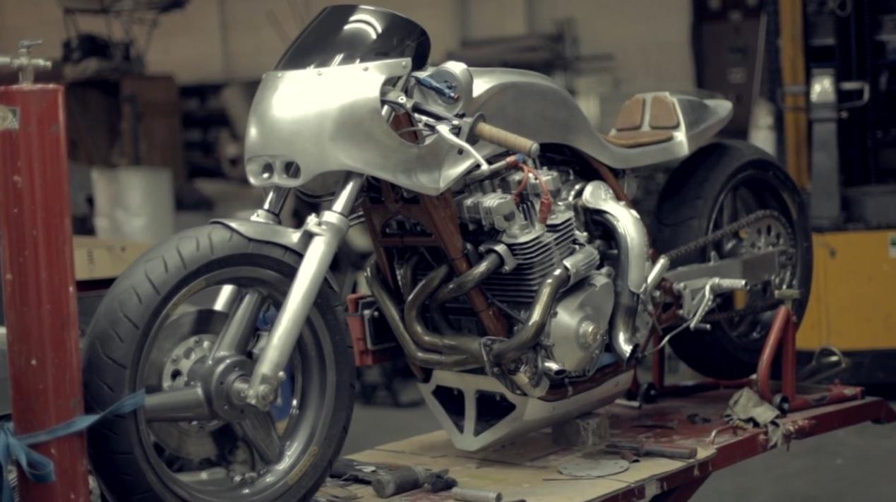 Kawasaki Z1 La Bestia by Valtoron