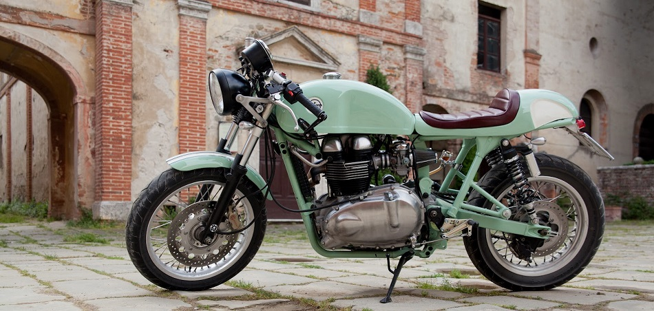 Hinckley Triumph Bonneville Cafe Racer by Cafe Twin