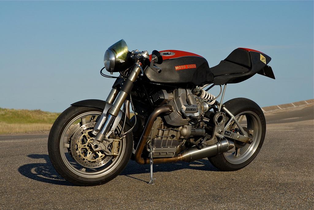 Moto-Guzzi-Daytona-Cafe-Racer-Void - MotoMatter