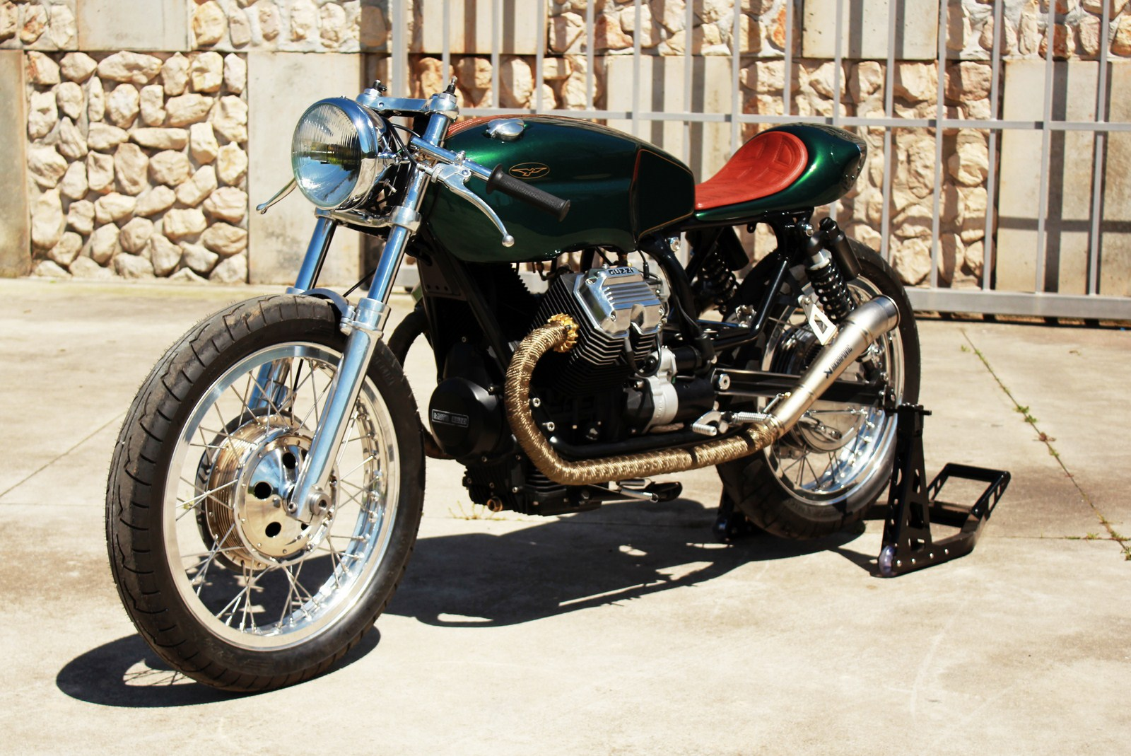 "Moto Guzzi Cafe Racer ""Mondego"" by Tricana Motorycles"