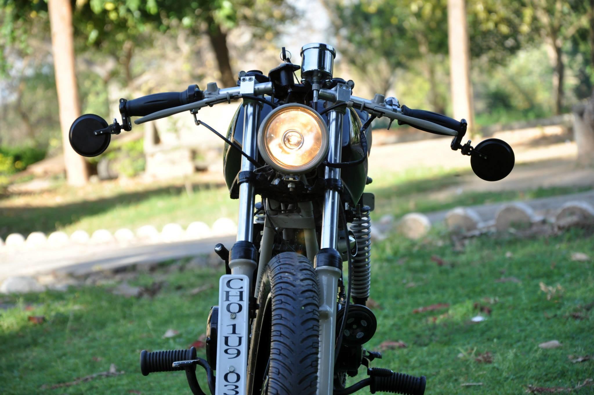 Yamaha RX135 Tracker by Bambukaat
