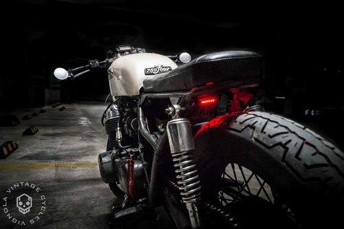 Honda CB750 Brat '76 by Aleks Vignola - MotoMatter