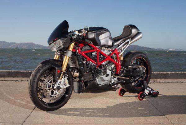 """Ducati 749 R Cafe Racer """"Scarlett"""" - MotoMatter"""