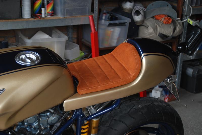 Ducati-748-cafe-racer-46