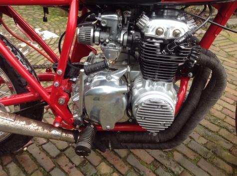 Honda CB350 Cafe Racer 13