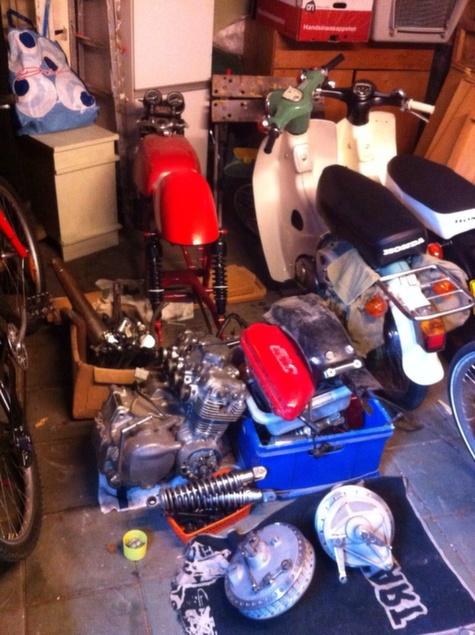 Honda CB350 Cafe Racer 2