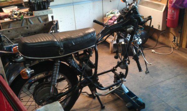 Honda-CB360-Café-Racer-4