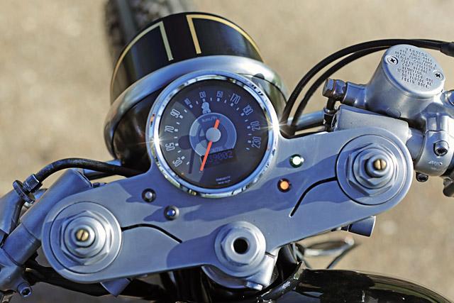Kawasaki w650 cafe racer 1 5