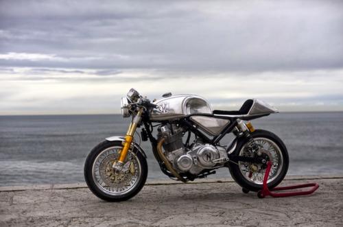 Norton Commando Cafe Racer 961 Metal Slug 2