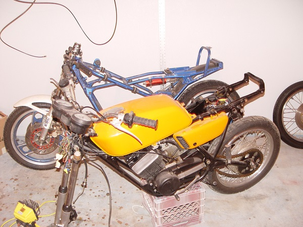 CaféRacersUnited com | Yamaha RD350 Cafe Racer 1973 by