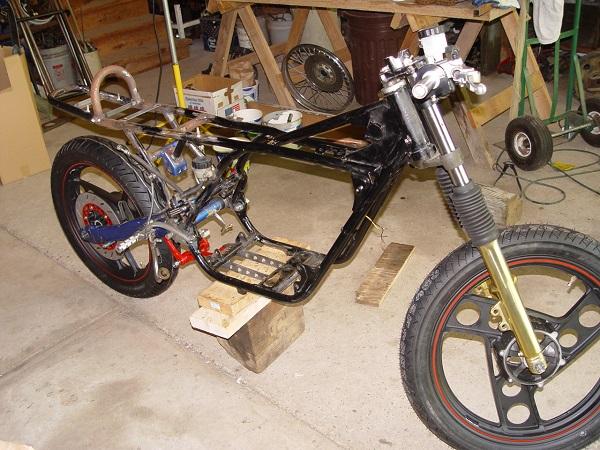 RD350-Cafe-Racer-10