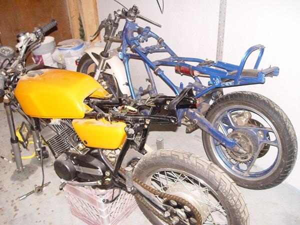RD350-Cafe-Racer-2
