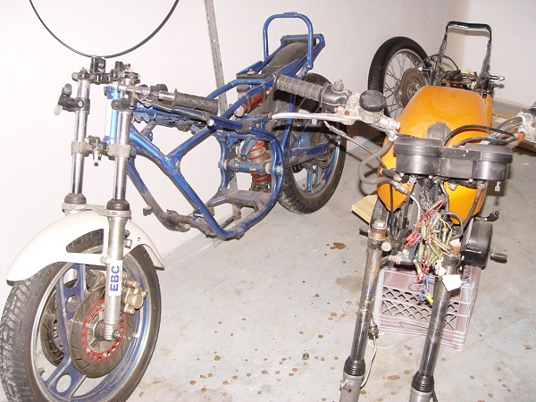 RD350-Cafe-Racer-3