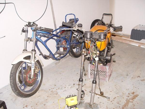 RD350-Cafe-Racer-4