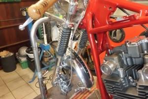 Suzuki-GS450-E-Café-Racer-by-Roughneckk-2