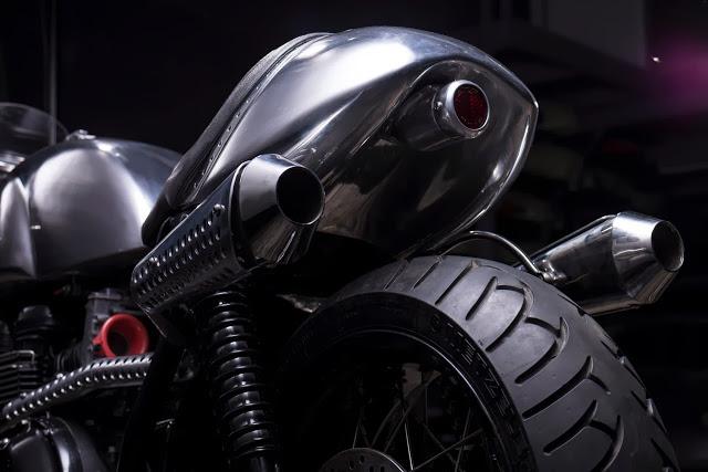Thruxton Cafe Racer steampunk 9