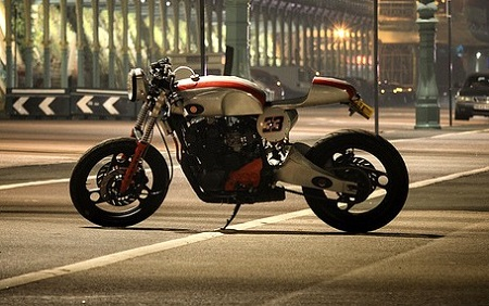 Yamaha XJ 600 Cafe Racer 6