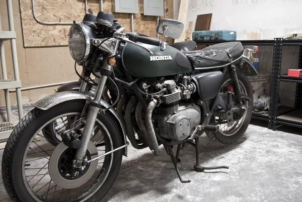 Honda CB550 Cafe Racer 1
