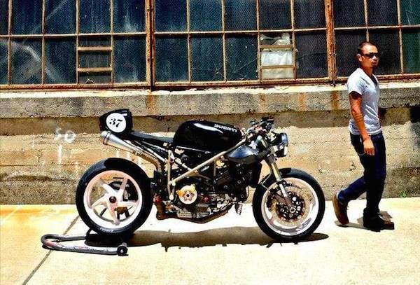 Cafe Racer Ducati 916